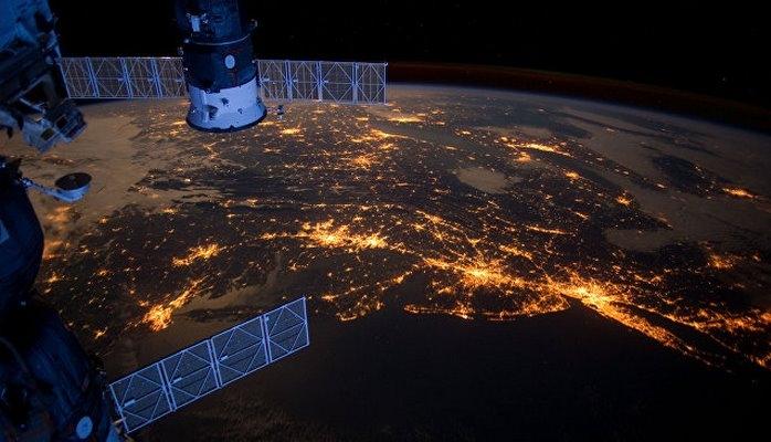 """В США назвали """"ненормальным"""" поведение российского спутника-инспектора"""