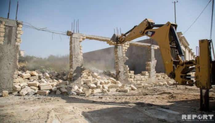 """Демонтированы незаконно возведенные ограждения с 3 гектаров территории в """"Зейтунлуг"""""""
