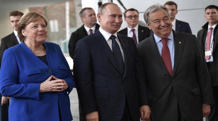Putin hanı? - Merkel təşvişdə