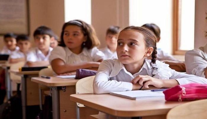 Избыток учащихся в бакинских школах