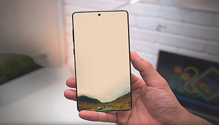 Dünyada ən yaxşı ekrana malik smartfon açıqlanıb