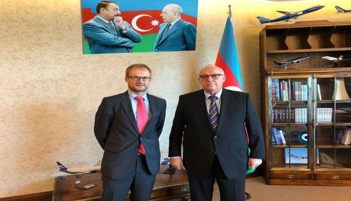 Президент AZAL встретился с послом Швейцарии