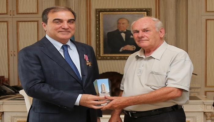 """Niyazi Bayramova Rusiya Federasiyasının """"Şərəf və ləyaqət"""" ordeni təqdim olunub"""