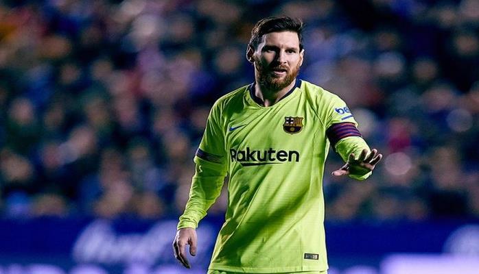 Messi Xavinin rekordunu yenilədi