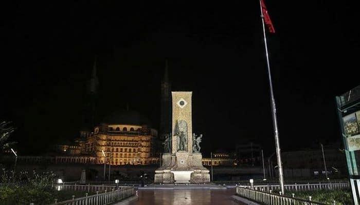 В Турции ввели комендантский час