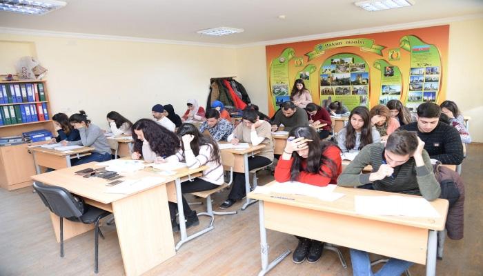 В Баку стартовал брейн-ринг среди школьников
