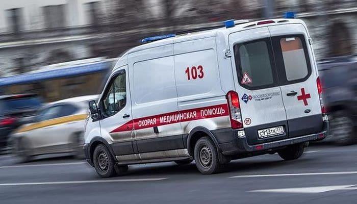 В Москве девушка осталась жива после падения с девятого этажа