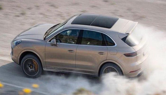 Самый мощный Porsche Cayenne установил необычный рекорд скорости