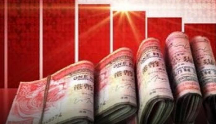 Çində milyonçu küçəyə dollar səpələdi