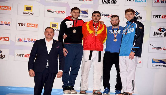 Olimpiya çempionumuz Antalyada gümüş medal qazandı