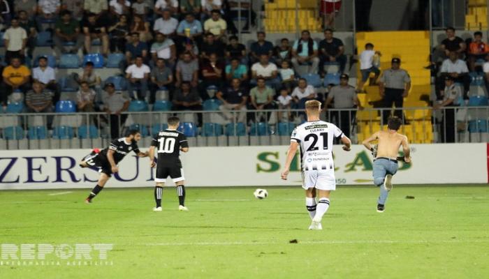 УЕФА оштрафовал 'Карабах'