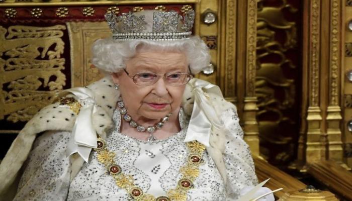 Елизавета II впервые будет отмечать день рождения без салюта