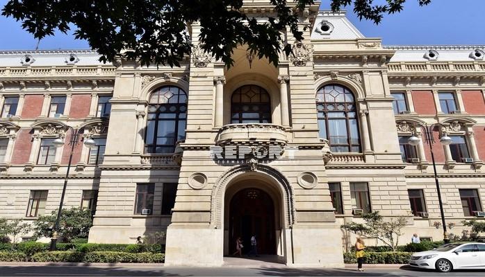 Директор Департамента торговли и услуг ИВ Баку освобожден от должности