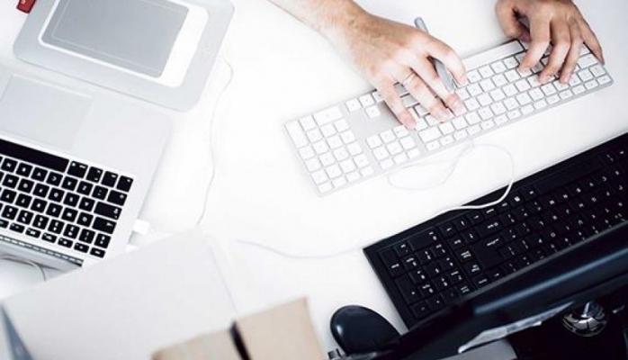 Alimlər: Kompüter klaviaturadan istifadə xüsusiyyətlərinə görə insanların cinsini tanıya bilir