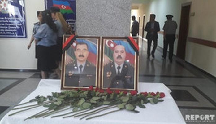 Prezident Gəncədə şəhid olan polis zabitlərini təltif edib