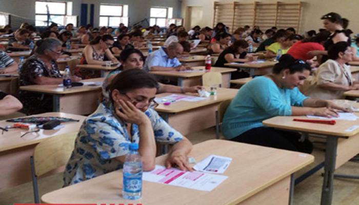 В Азербайджане продолжаются экзамены по приему на работу учителей начальных классов