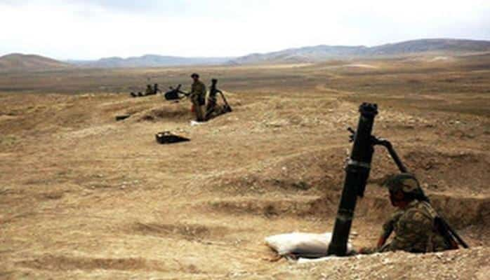 Министр обороны проверил боеспособность привлеченных к учениям воинских частей и военной техники