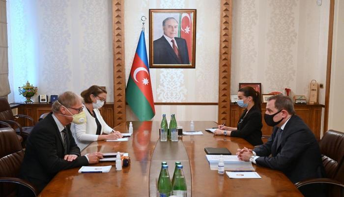 Ceyhun Bayramov Aİ rəsmisini Ermənistanın təxribatı barədə məlumatlandırıb
