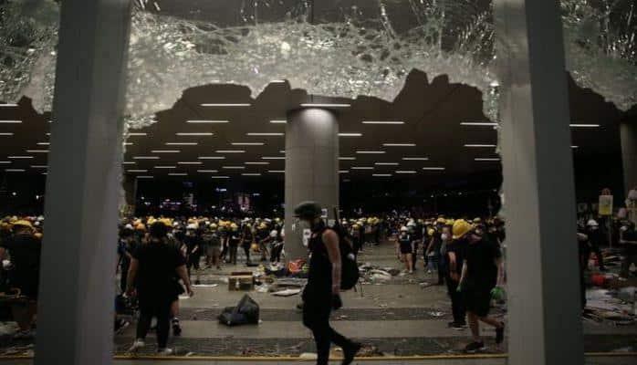 Hong Kong lideri Carrie Lam: Göstericiler aşırı şiddet kullandı
