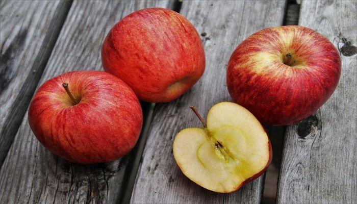 Ученые назвали 7 причин, которые подтолкнут к ежедневному употреблению яблок