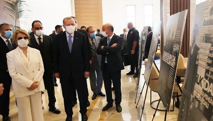Cumhurbaşkanı Erdoğan ve Çiller 12 Eylül fotoğraf sergisini gezdi