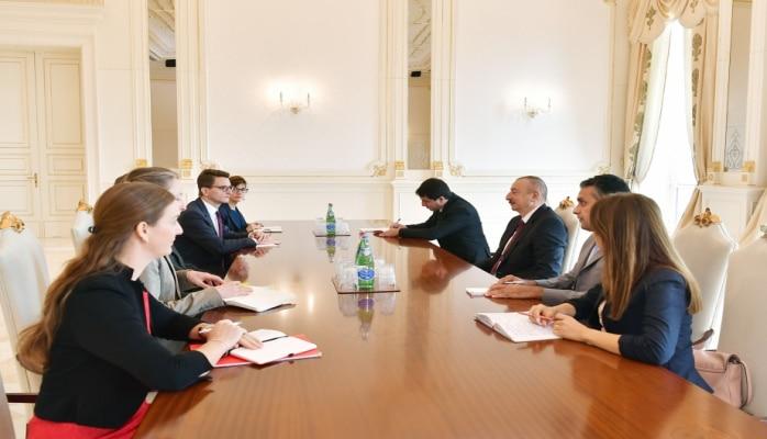 Prezident İlham Əliyev İsveçrənin Kantonlar Şurası sədrinin başçılıq etdiyi nümayəndə heyətini qəbul edib
