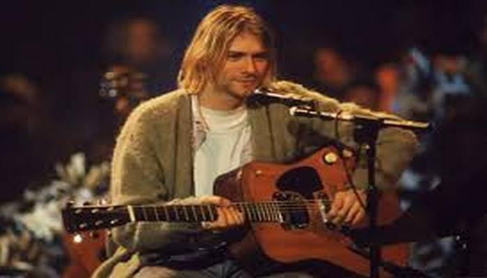 Kurt Cobain'in ikonik gitarı mezata çıkıyor, açılış fiyatı tam 1 milyon dolar