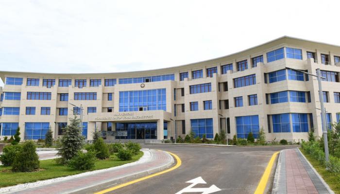 Prezident İlham Əliyev Pirallahı Rayon İcra Hakimiyyətinin yeni inzibati binasının açılışında iştirak edib