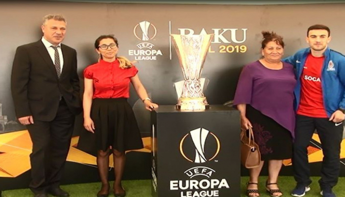 UEFA Avropa Liqasının kuboku Cocuq Mərcanlıda nümayiş etdirilib