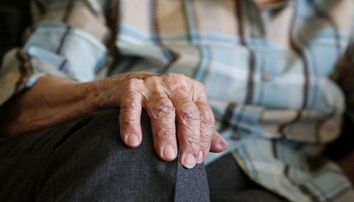 Люди, помогающие одиноким пожилым людям, смогут беспрепятственно передвигаться по городу