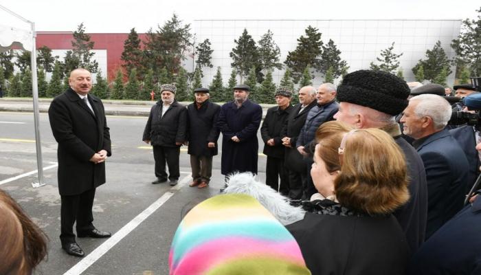Президент Ильхам Алиев: Мы должны знать о беспокоящих граждан проблемах и решать их