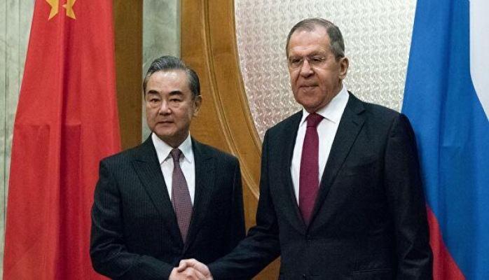 Лавров и глава МИД Китая провели переговоры на полях G20