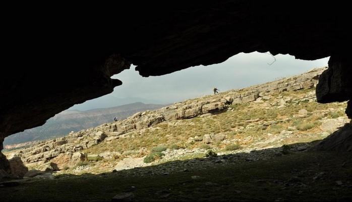 Qırğızıstanın 68 yaşlı sakini 23 ildir ailəsi ilə birlikdə mağarada yaşayır