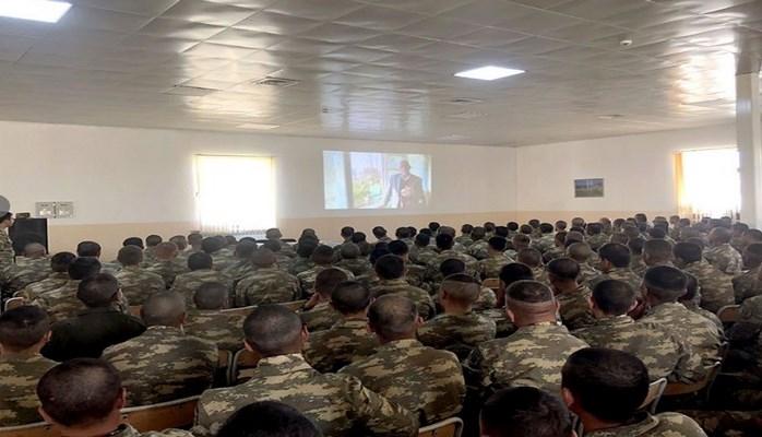 Молодым солдатам прививаются национально-духовные ценности