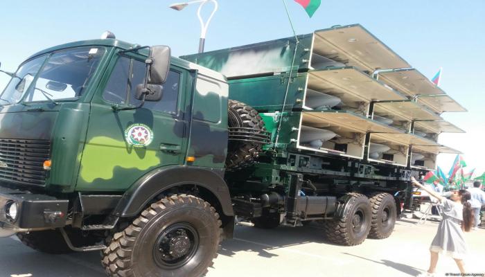 На военной выставке в Баку продемонстрирован БПЛА неуязвимый для противника
