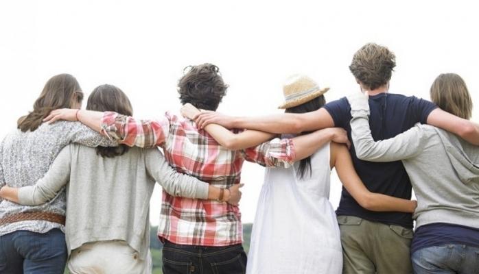 Dostluq beynin qocalmasına necə təsir göstərir?
