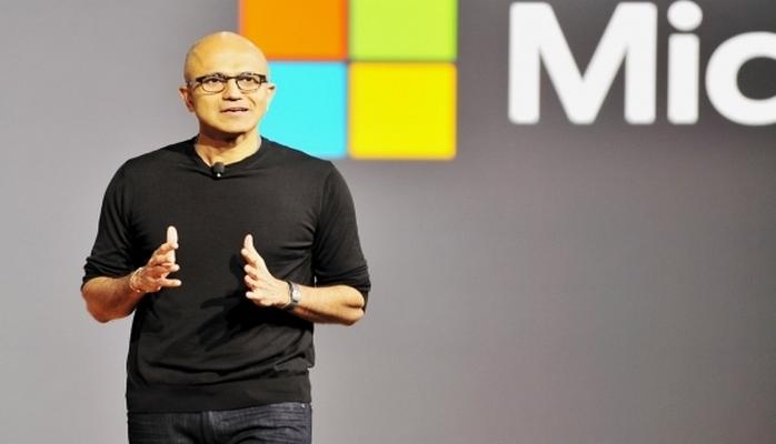 """Tarixi uğur: """"Microsoft""""un illik gəliri 100 milyard dolları keçdi"""