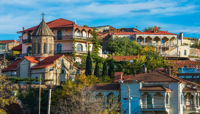 В Грузии хотят пустить для российских туристов бесплатные автобусы из Баку