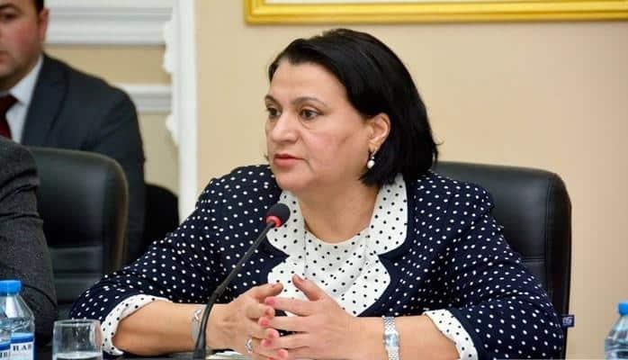 """Deputat: """"Rus sektoruna gedən uşaqların sayının ilbəil artması məni narahat edir"""""""