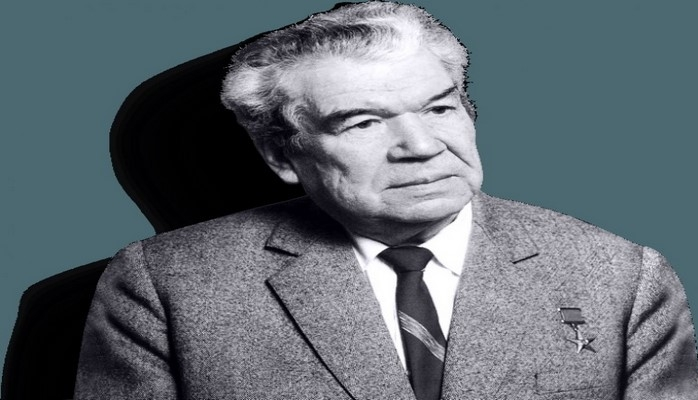 К 100-летию Мустая Карима выпустят памятную монету и полное собрание его сочинений