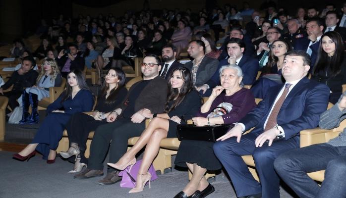 Вице-президент Фонда Гейдара Алиева Лейла Алиева присутствовала на концерте по случаю Дня солидарности азербайджанцев мира и Нового года в Международном центре мугама