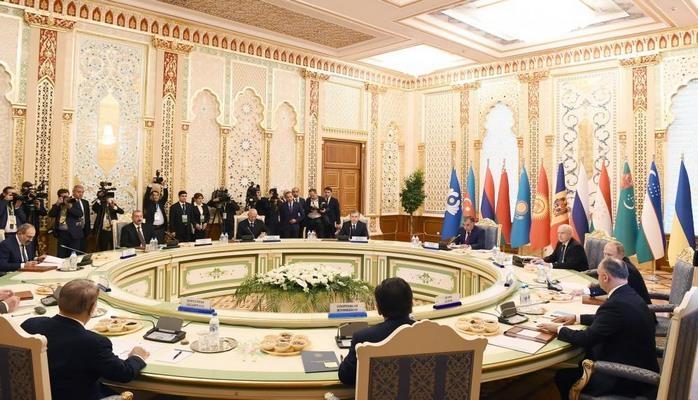Президент Ильхам Алиев принял участие во встрече Совета глав государств СНГ в узком составе в Душанбе