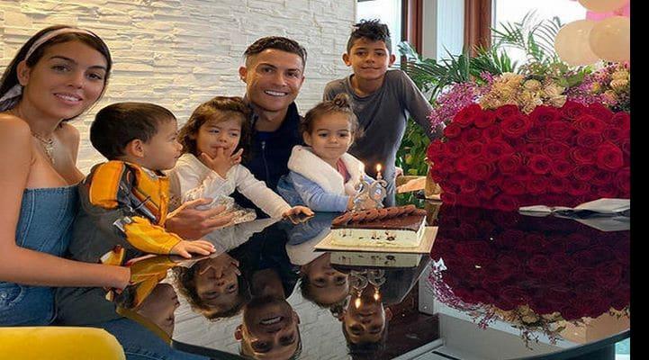 Роналду трогательно поздравил свою девушку с днем рождения