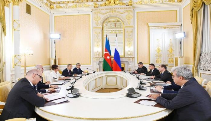 Первый вице-президент Мехрибан Алиева встретилась с премьер-министром России Дмитирием Медведевым