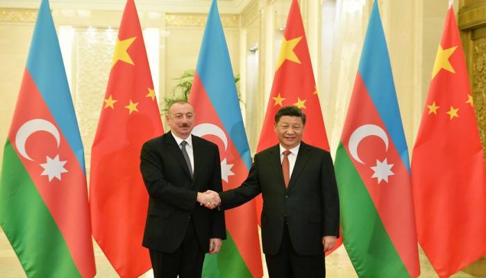 Президент Азербайджана поздравил главу Китая