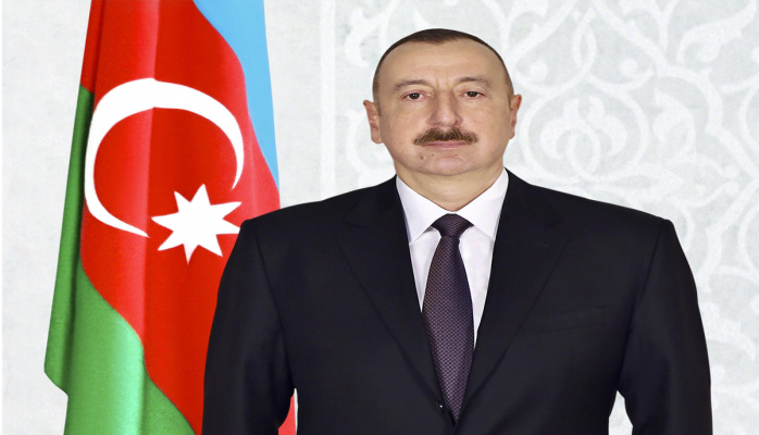 Президент Ильхам Алиев поздравил палестинского коллегу