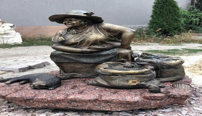 Композиция азербайджанского скульптура «Женщина, продающая семечки» станет визитной карточкой Харькова