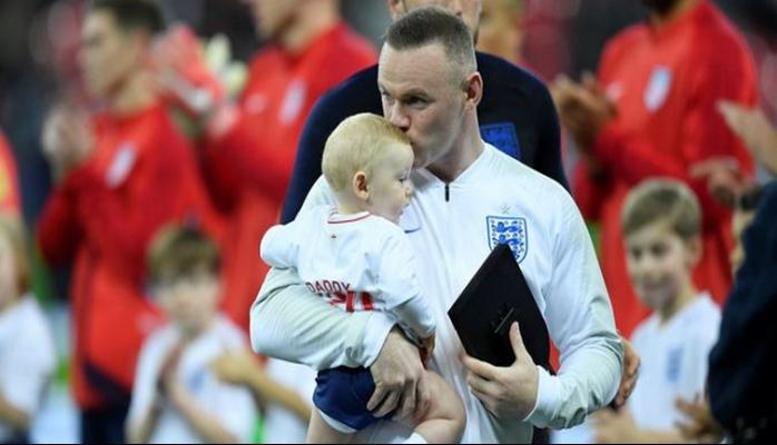Wayne Rooney milli formaya veda etti
