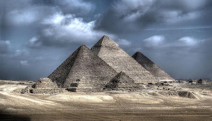 Misir piramidalari