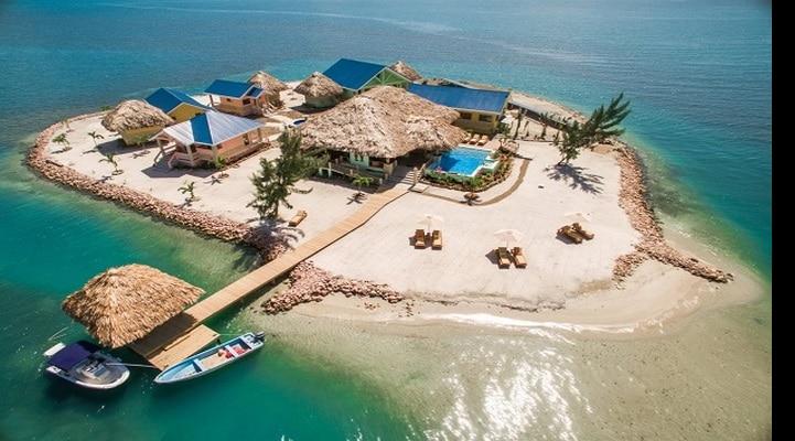 Kimsəsiz adada yerləşən otel üçün işçi axtarılır